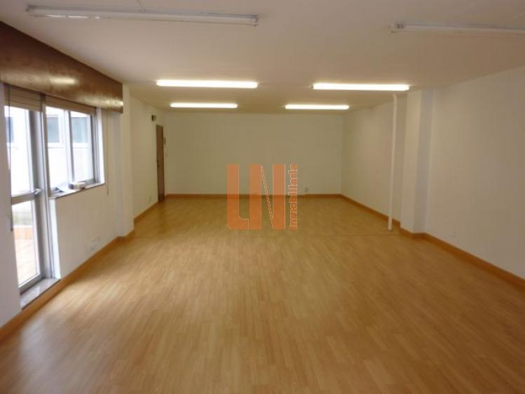 65 m2 diáfana muy luminosa con terraza.