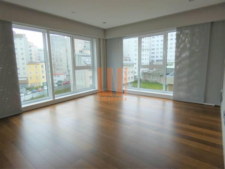 70m² útiles, 2 dormitorios, plaza de garaje y trastero.