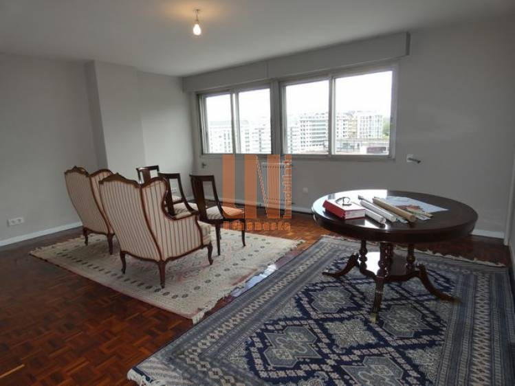 200m², 4 dormitorios con plaza de garaje