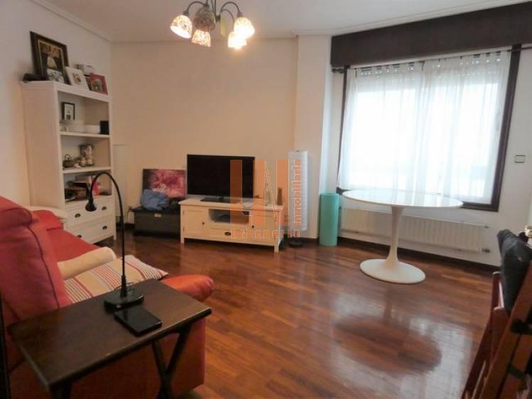 45m², 1 dormitorio con garaje en el mismo edificio.