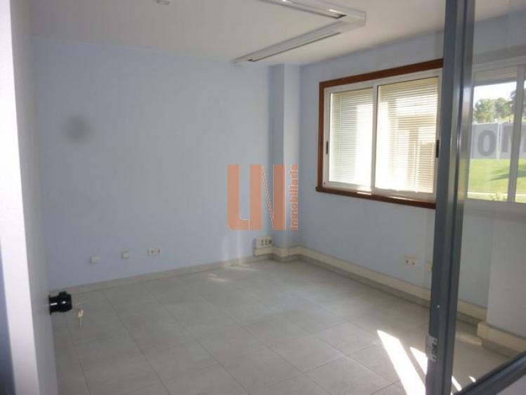 236M² con 2 baños y 4m de fachada