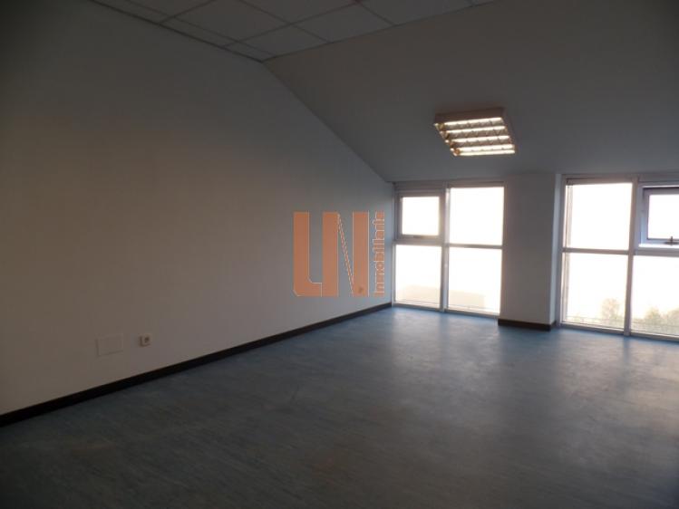 91.03 m² útiles, 4 despachos