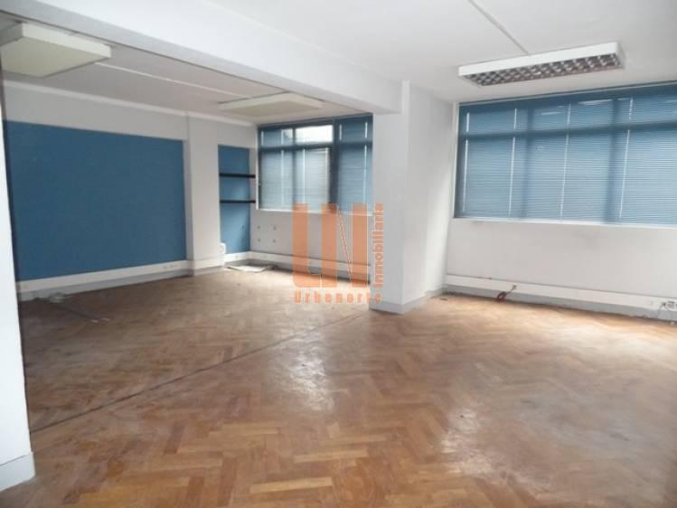 150 m²