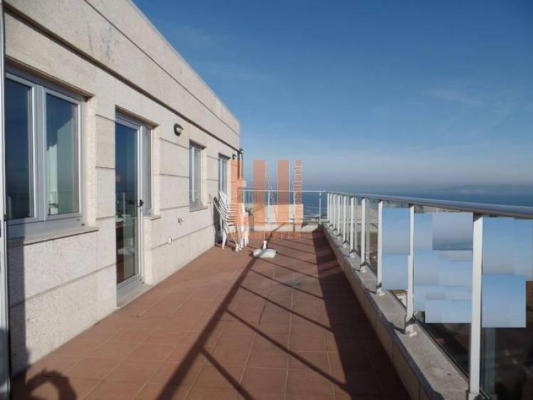 Dos terrazas 18 y 27m², dos plazas, trastero.