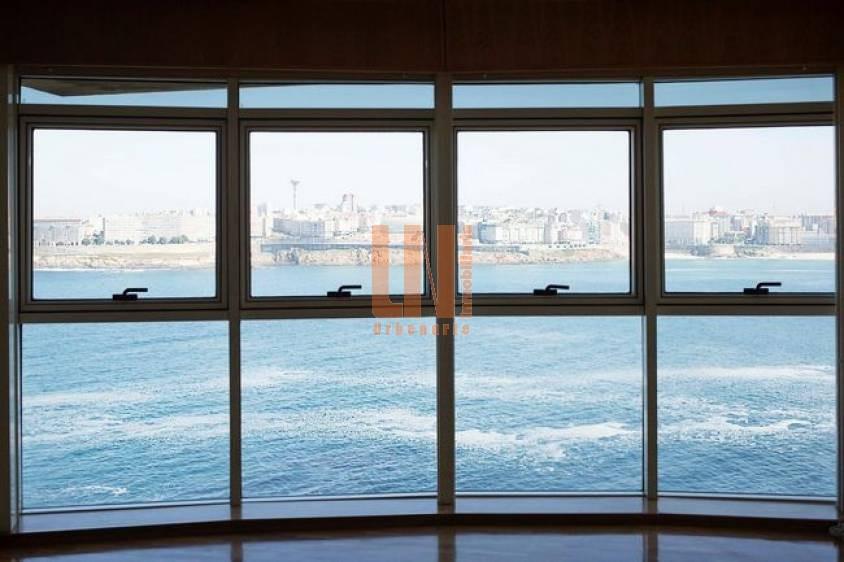 115m² con vistas directas al mar.