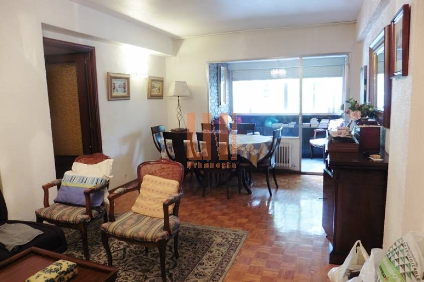 Muy buen piso de 4 dormitorios en General Perón