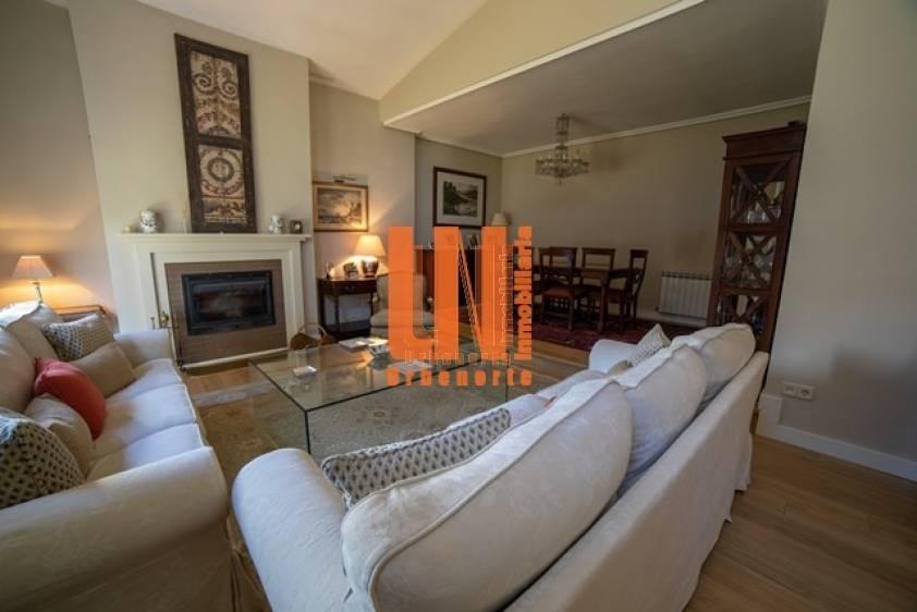 Excepcional chalet, TOTALMENTE REFORMADO, PARA ENTRAR A VIVIR, con preciosa casa de invitados de 195