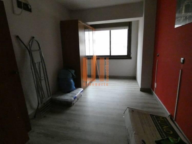 de 2 dormitorios con vistas despejadas.