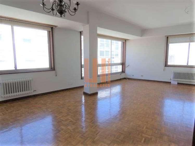 84m² útiles 2 dormitorios, 2 baños y luminosa.