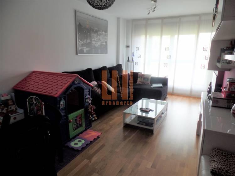 80m² útiles 2 dormitorios con garaje y trastero.