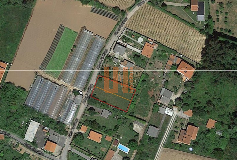 DE 2285M², SEGREGADA EN DOS PARCELAS DE 1.145M²