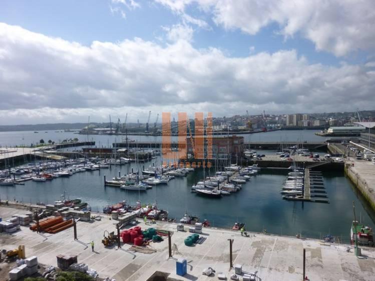 Vistas a La Marina, edificio rehabilitado en 2011