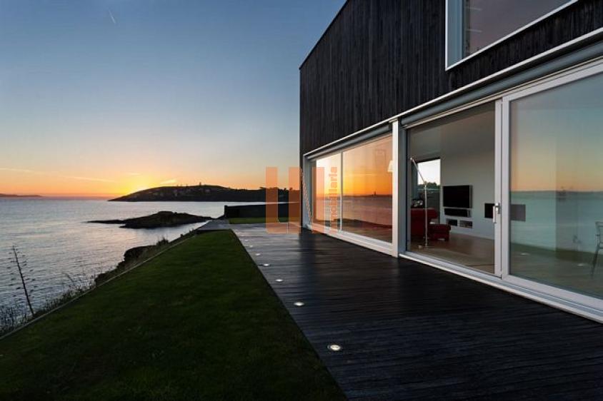 Casa de diseño, primera linea de mar, Punta Canide Me